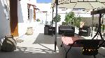 Ville a Sannicola. Confortevole abitazione con giardino e garage